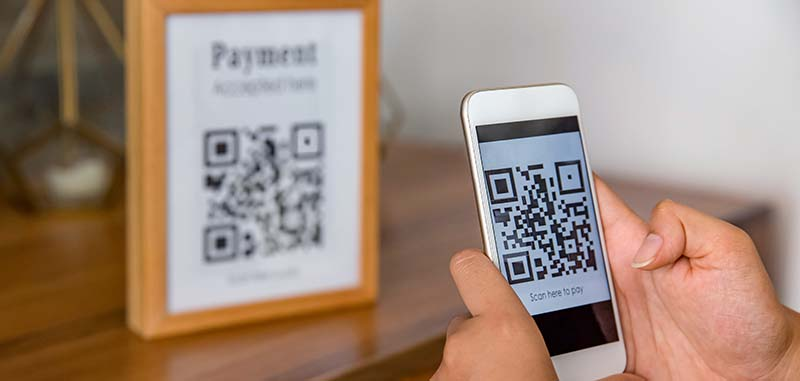 QR Code vs. Barcode: When and Where to Use Each
